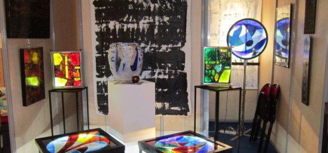 Exposition à Cannes de vitraux en dalle de verre